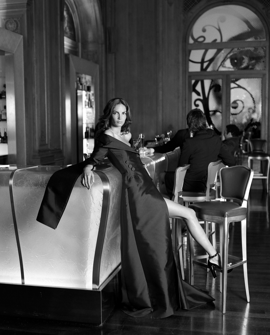 Axel Bernstorff, Collectable limited edition fine photographic art prints. Blue Bar II. Plaza Athénée, Paris. Fashion. Haute Couture. Elegance.