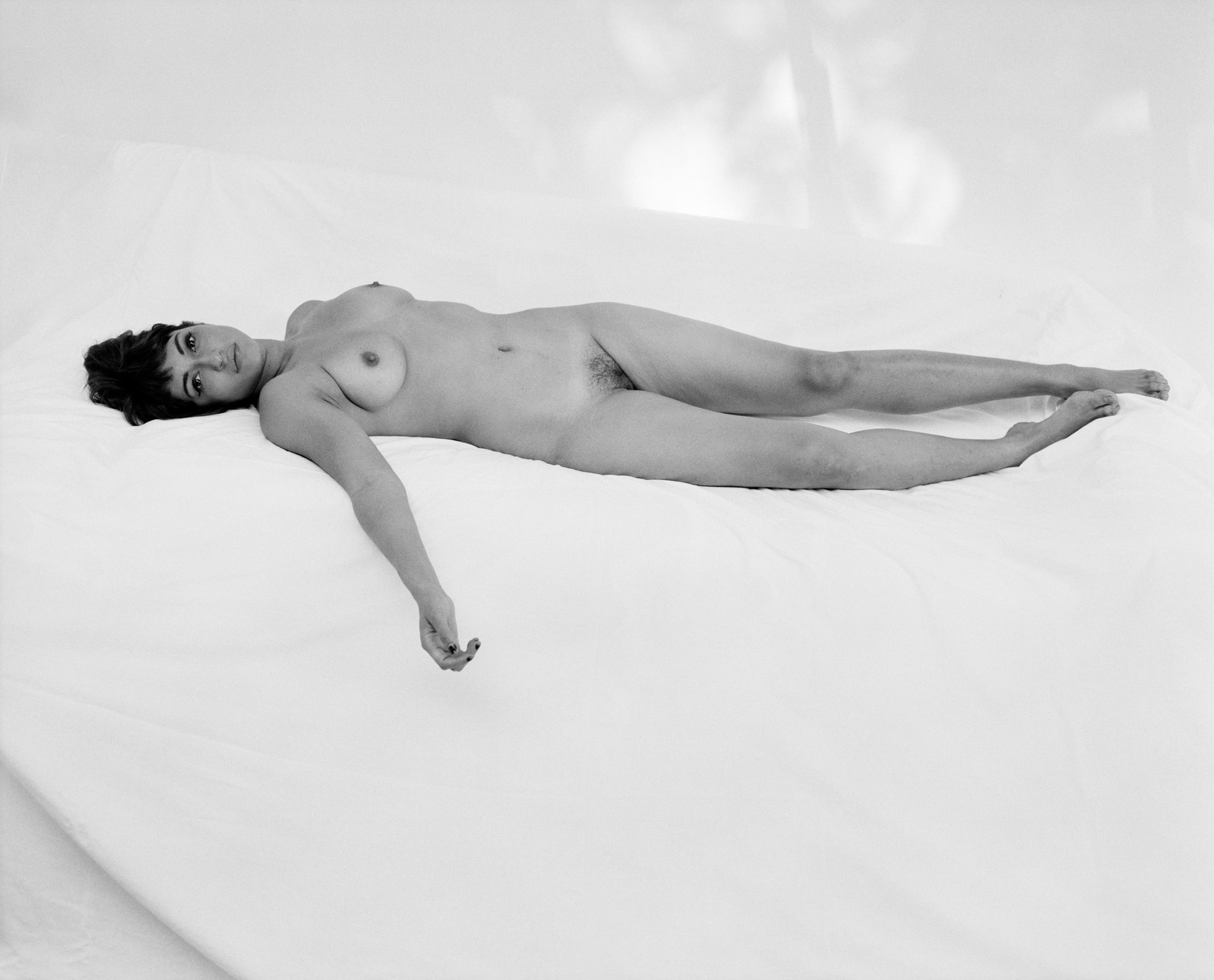 Axel Bernstorff, Collectable limited edition prints. Reclining Nude. Naked form. Sensual. Beauty. Allure.
