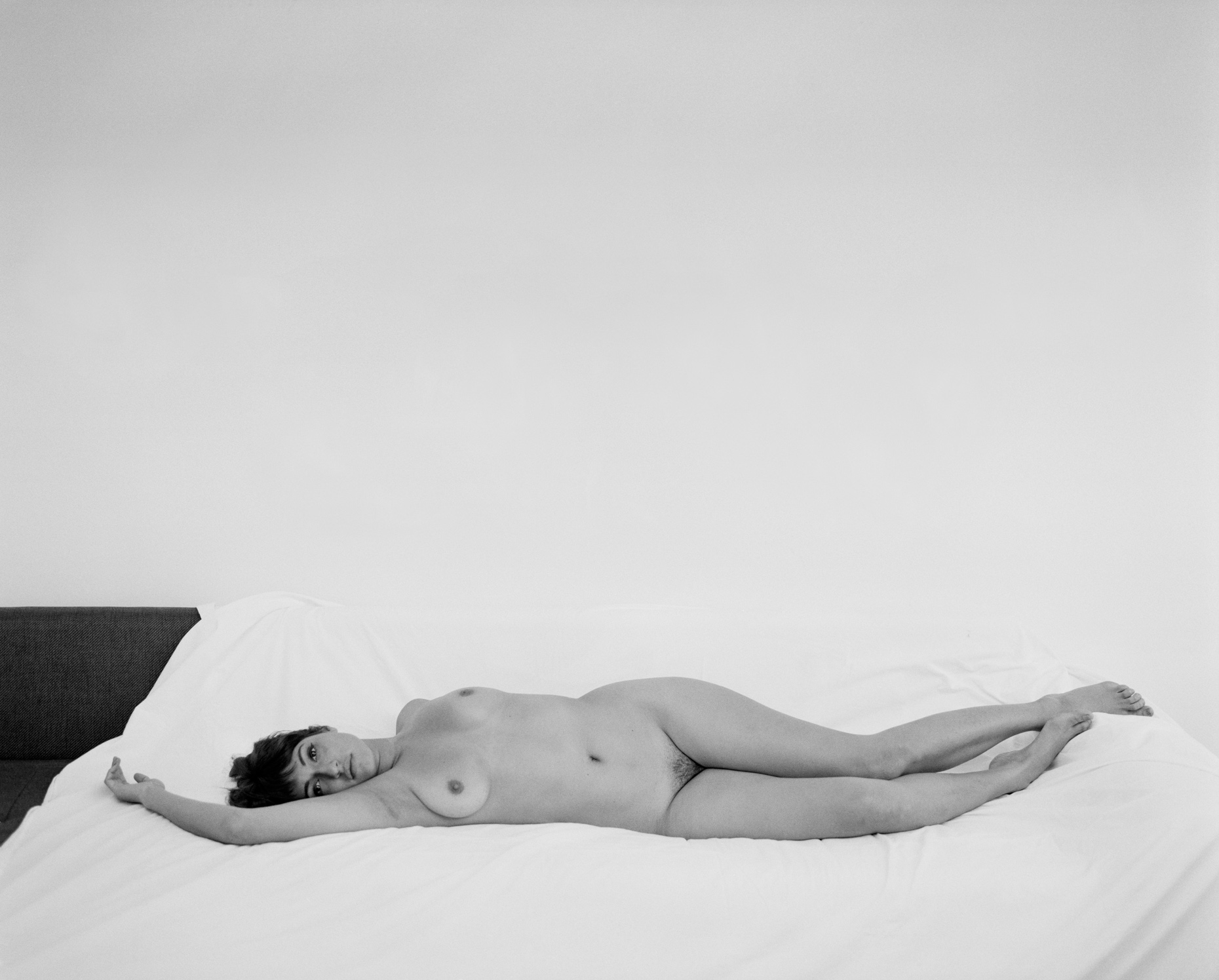 Axel Bernstorff, Collectable limited edition prints. Reclining Nude. Detail. Naked form. Sensual. Beauty. Allure.